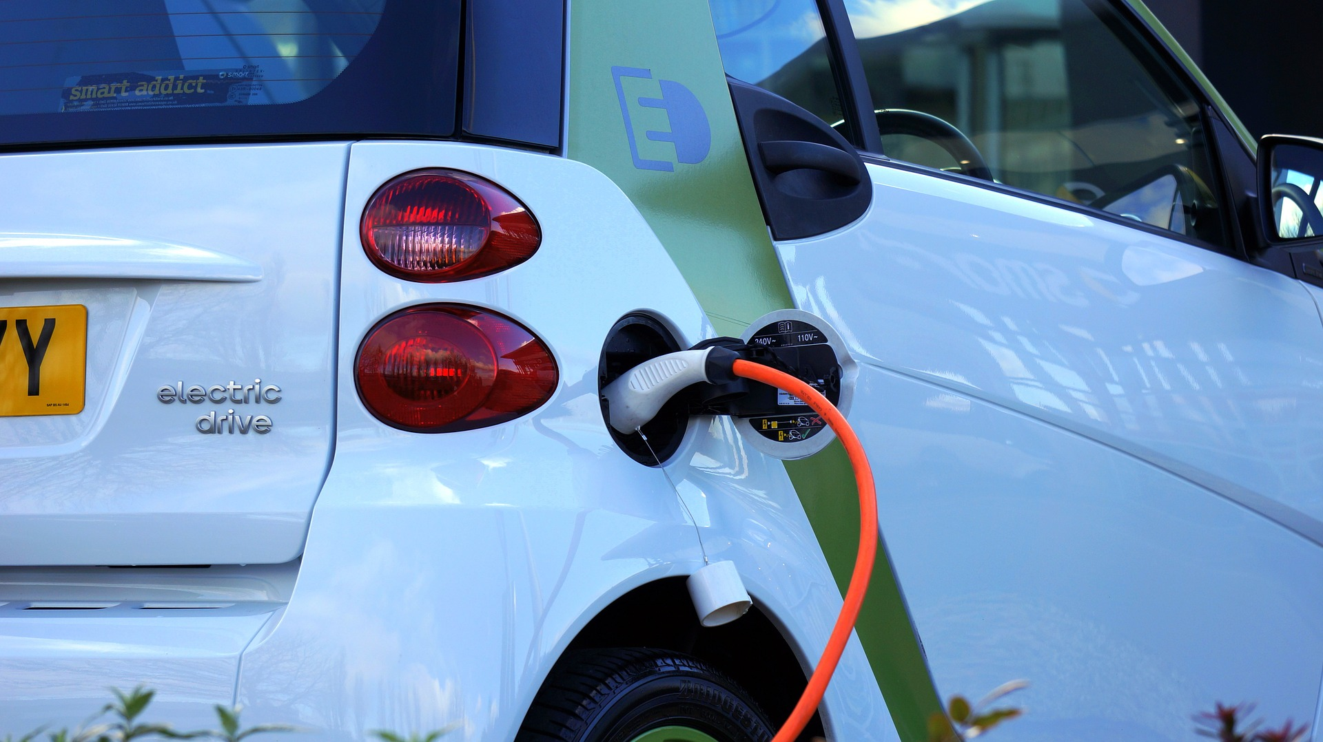 Two of Scotland's biggest firms join forces to try and get motorists to go electric