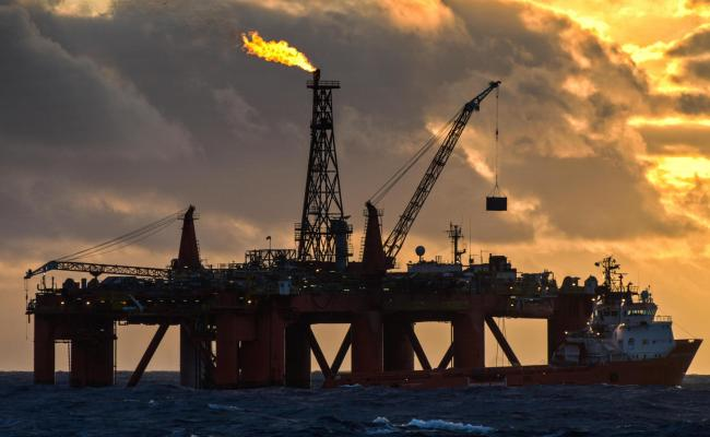 Experts call for North Sea oil closure to cut climate pollution
