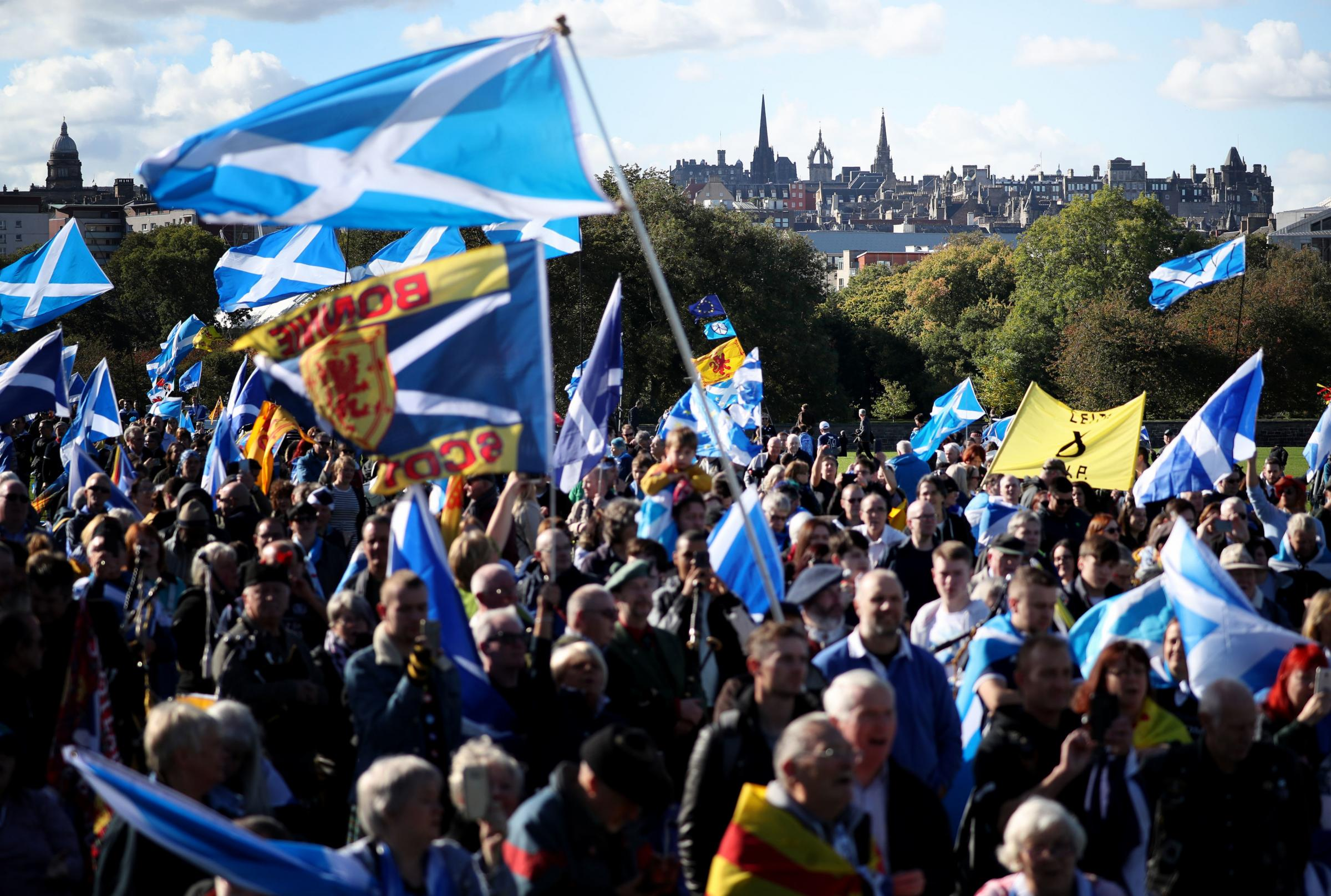 Activists bypass Sturgeon on new Indyref2 campaign