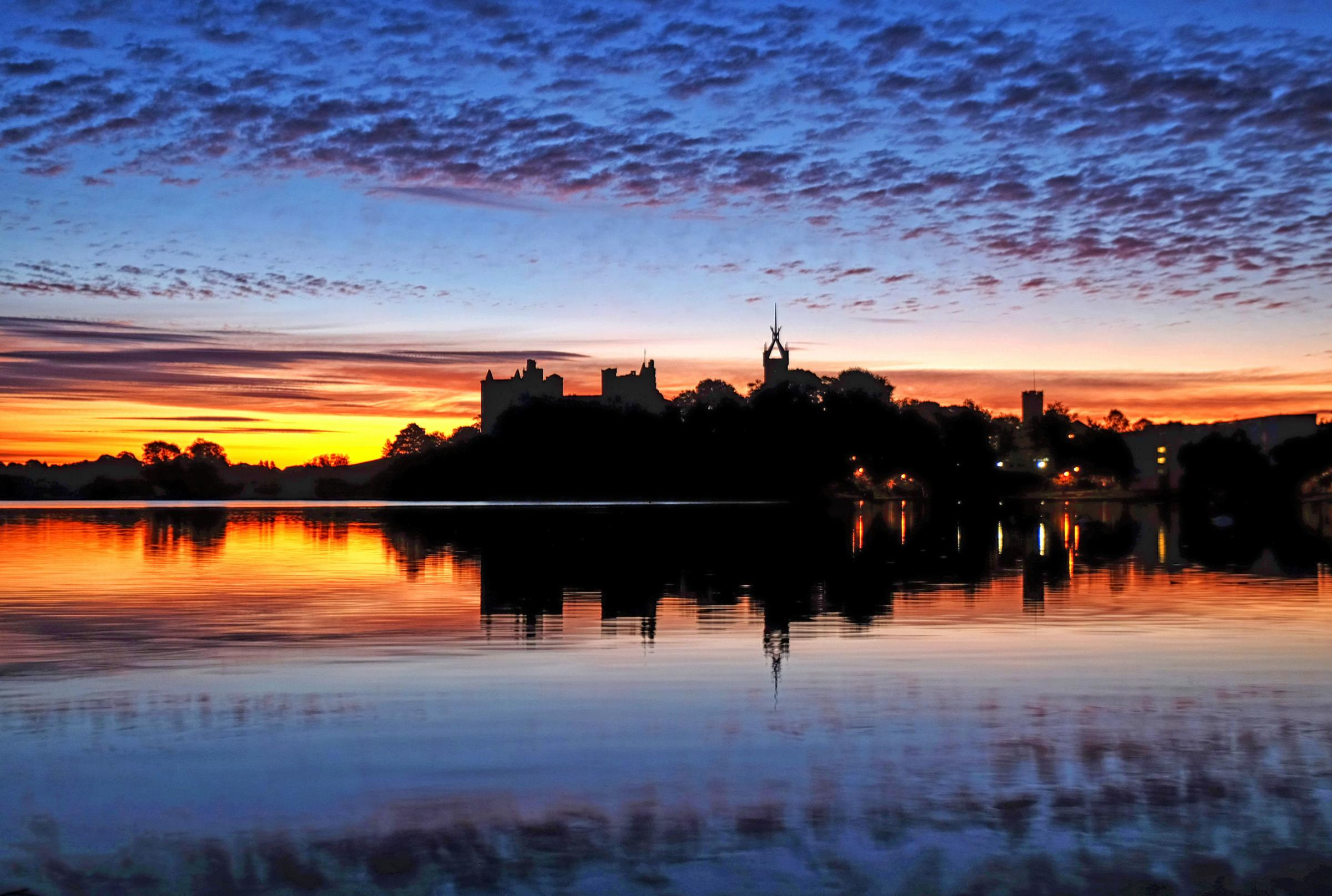 Linlithgow Palace and the loch