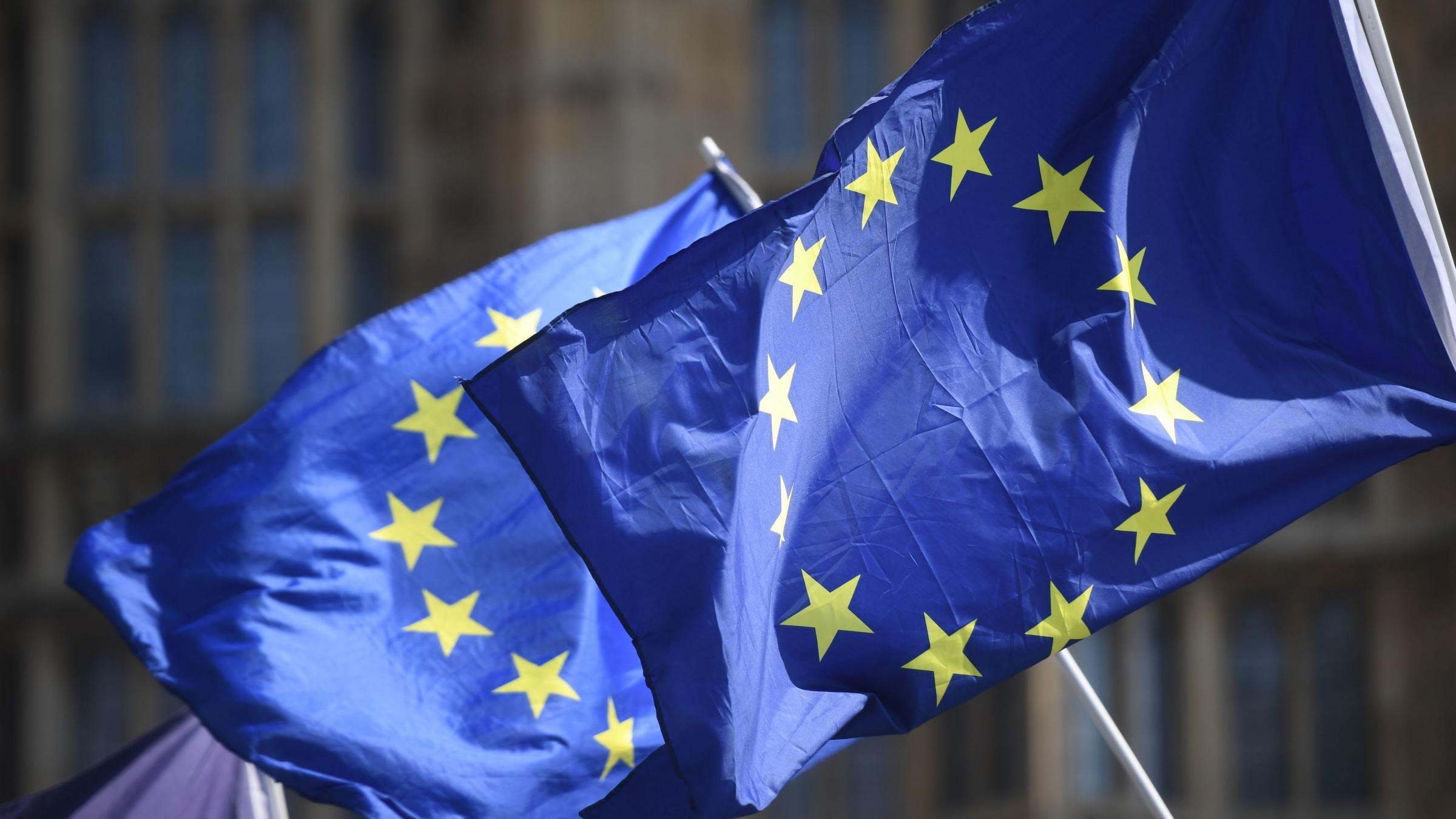 Scottish and Welsh ministers call for EU settlement pilot to include relatives