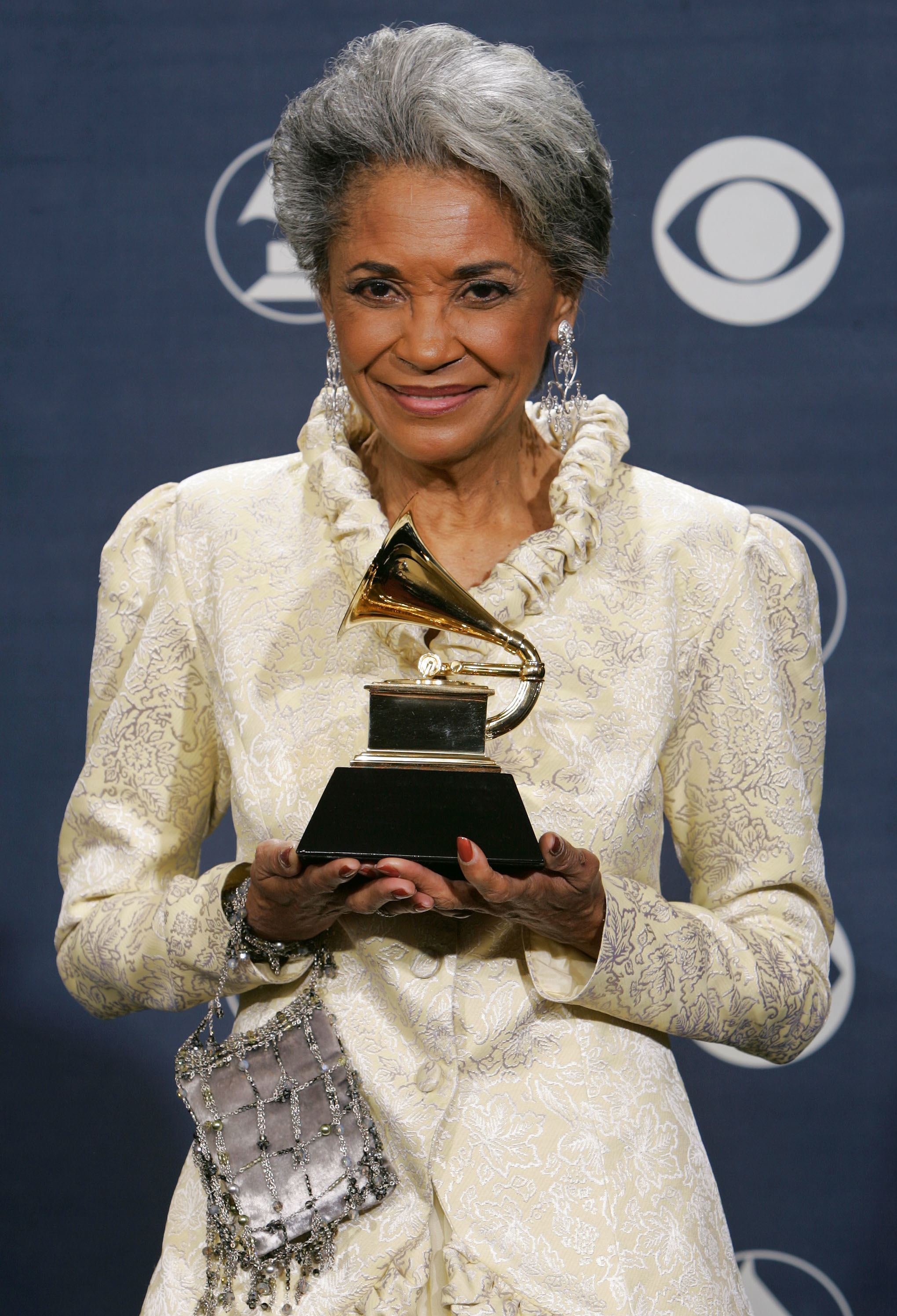 "FILE - In this Feb. 13, 2005 file photo, Nancy Wilson poses with her award for best jazz vocal album for ""R.S.V.P. (Rare Songs, Very Personal)"" at the 47th Annual Grammy Awards in Los Angeles. Grammy-winning jazz and pop singer Wilson has died a"