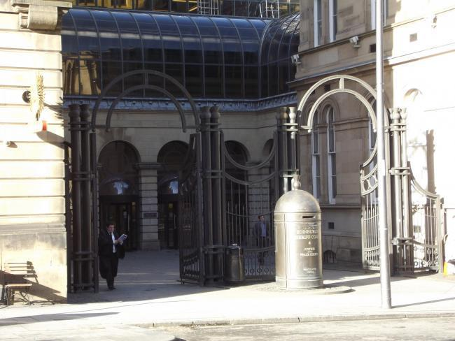 Lawyers at Edinburgh Sheriff Court are unhappy with the provision for virtual custody court hearings