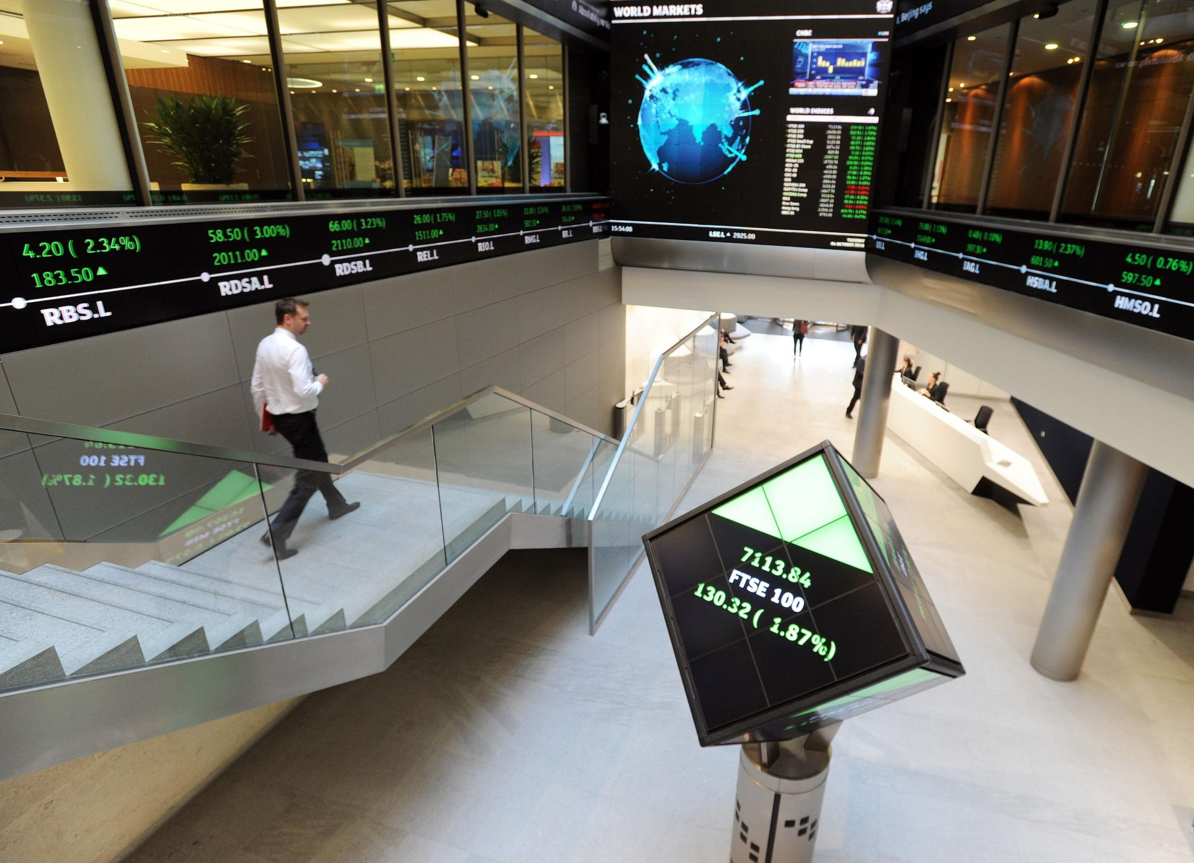 FTSE 100 pushes above 7,000 as miners hit gold