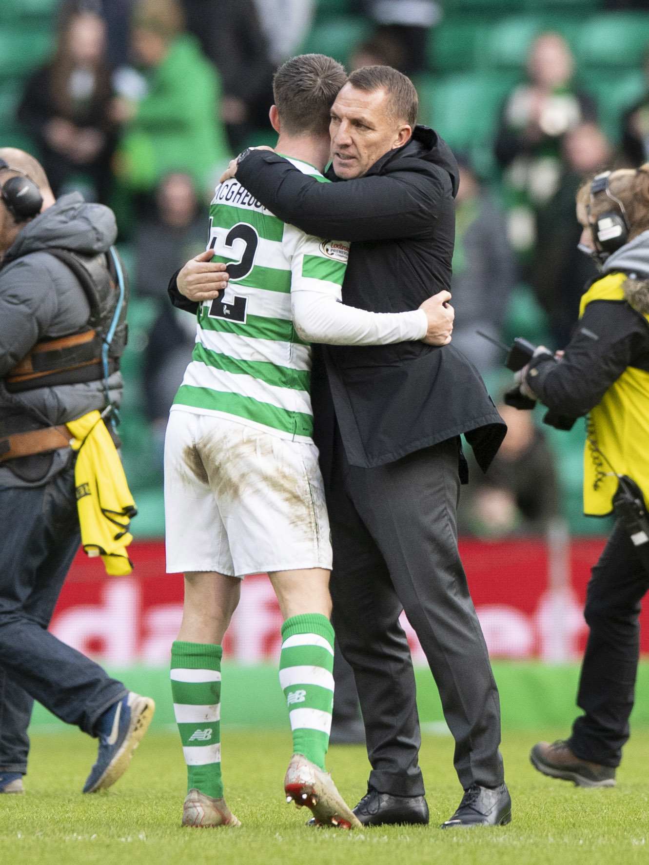 10/02/19 SCOTTISH CUP 5TH ROUND.CELTIC V ST JOHNSTONE.CELTIC PARK - GLASGOW.Celtic manager Brendan Rodgers (right) and Callum McGregor.