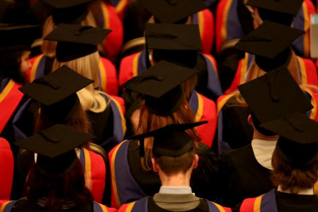 Ministers urged to set date for minimum student income in Scotland