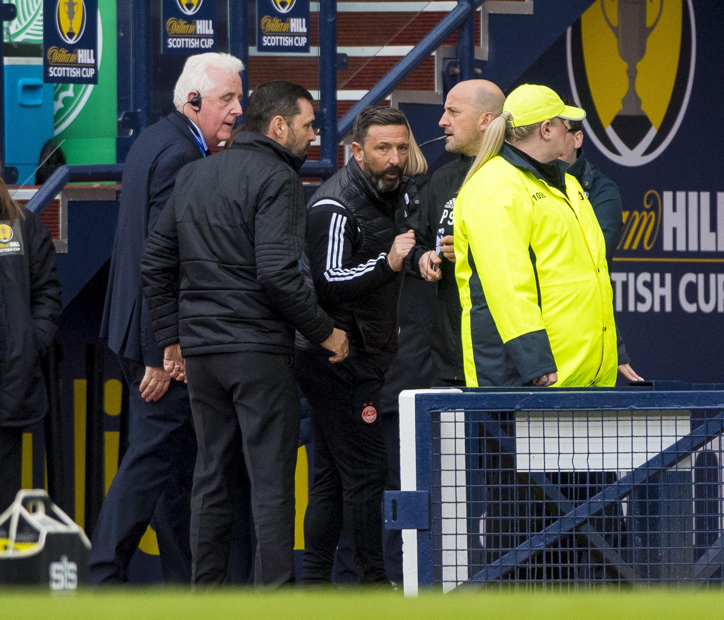 14/04/19 WILLIAM HILL SCOTTISH CUP SEMI-FINAL ABERDEEN v CELTIC (0-3) HAMPDEN PARK - GLASGOW Aberdeen manager Derek McInnes expresses his displeasure after being sent to the stands.