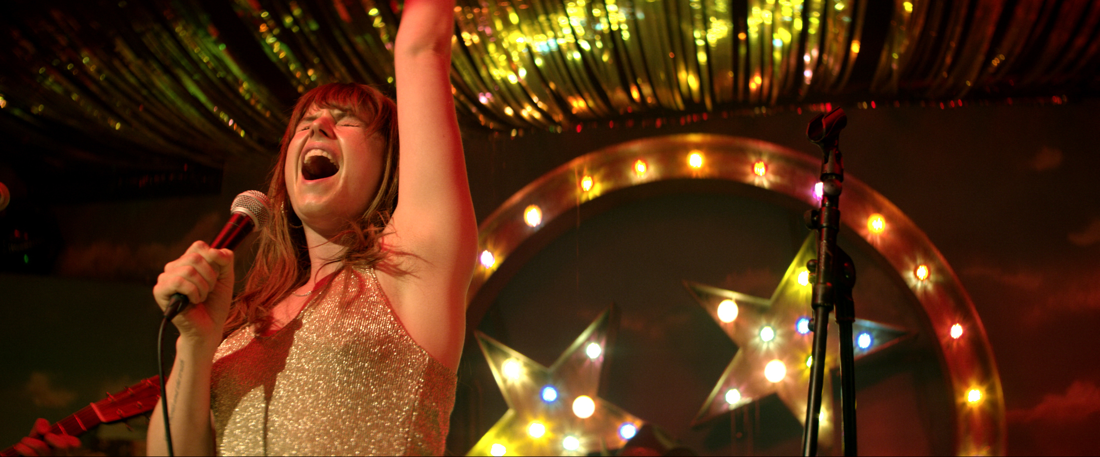 Jessie Buckley stars as Rose-Lynn Harlan, a young mother eager to make it as a country singer.