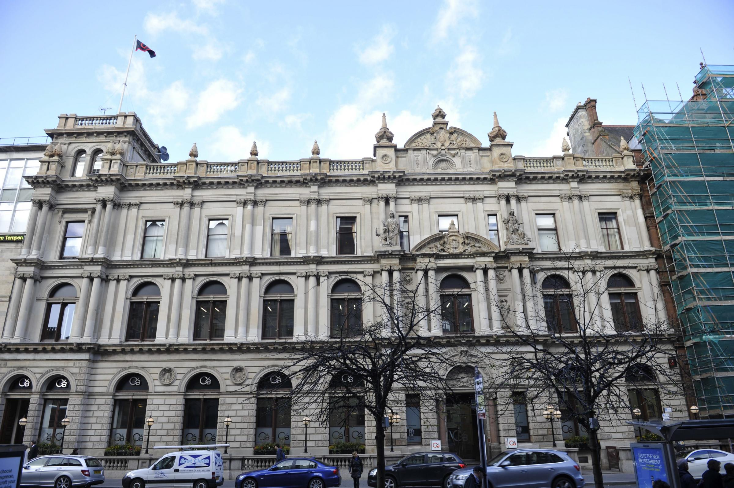 Glasgow bank withdraws fully from four Scottish towns
