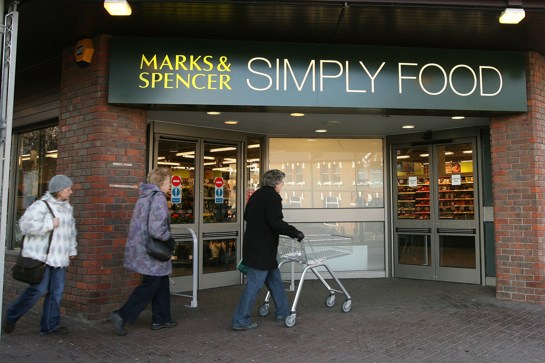 Marks and Spencer to close 25 food stores under estate rethink