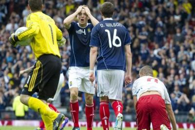 Scotland manager blames referee for failure to win | Herald Scotland