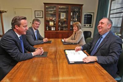 SIGNING: Prime Minister David Cameron and Scottish Secretary Michael Moore with First Minister Alex Salmond and Deputy First Minister Nicola Sturgeon.