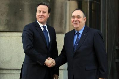 shake-up: David Cameron and Alex Salmond outside St Andrew's House before the signing of the historic Edinburgh Agreement. Picture: Getty Images