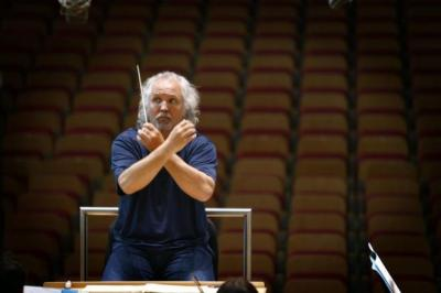 MASTER AT WORK: The audience was treated to a show of the genius of conductor Donald Runnicles with the BBC SSO at Glasgow's City Halls.