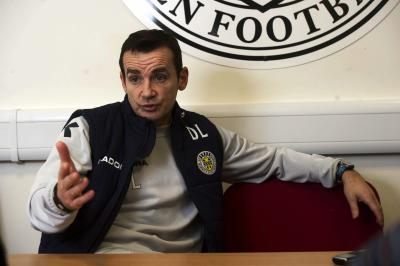 Danny Lennon has come under increasing pressure from the St Mirren fans