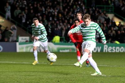 Commons scores the penalty