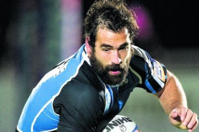 Josh Strauss is being careful to avoid stepping on his team-mate's toes   Photograph: SNS