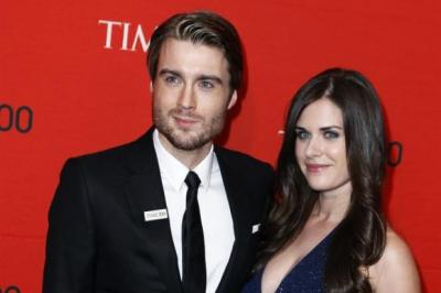 ON TOP OF THE WWW: Scottish internet tycoon Pete Cashmore, with his girlfriend Lisa Bettany, have attended a glamorous Times 100 gala event in New York.