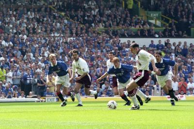 Colin Cameron scored the opener in the 1998 Celtic Park final