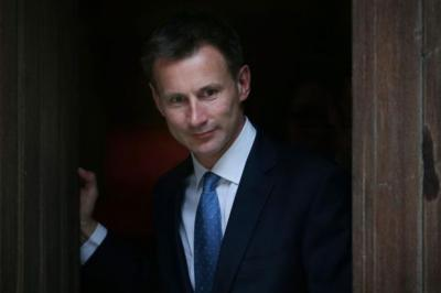 Jeremy Hunt should have resigned as Culture Secretary, according to Lord Oakshott