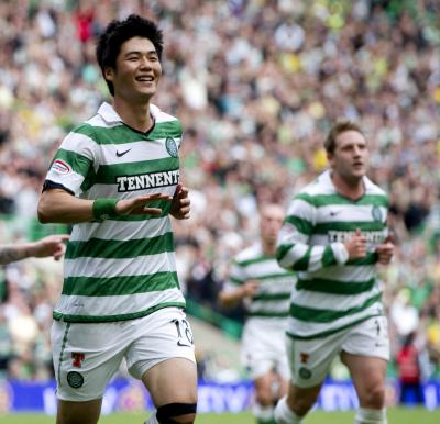 Ki Sung-Yueng is thought to be negotiating personal terms ahead of a move to the Barclays Premier League