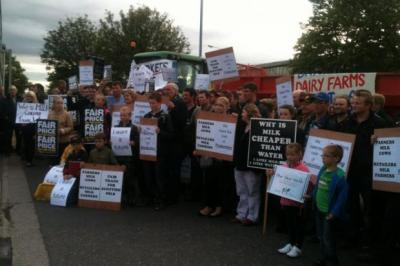 ANGER: Farmers blockaded the main distribution centre of Farmfoods in Cumbernauld.