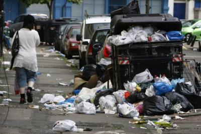 A winter of discontent could be in the offing among binmen and other council workers  Photograph: Gordon Terris
