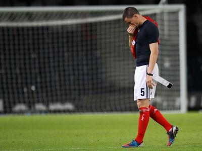 Gary Caldwell walks off dejected